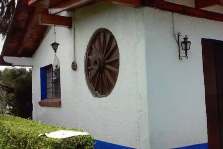 Casa de campo amplia, cerca de Valle de Bravo.
