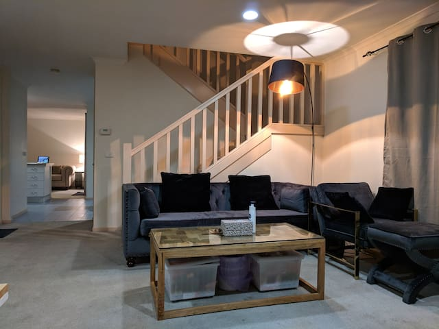 Cozy & Clean Accomodation Feel Homey