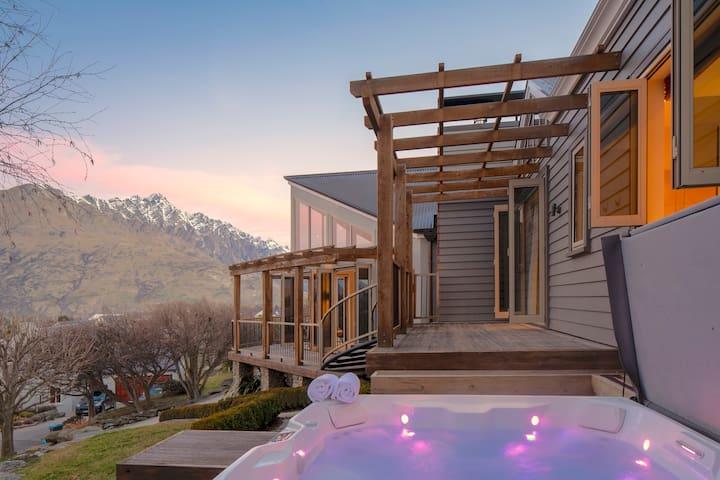 Pinnacle Villa - Spacious, Spa Pool & Outdoor Fire