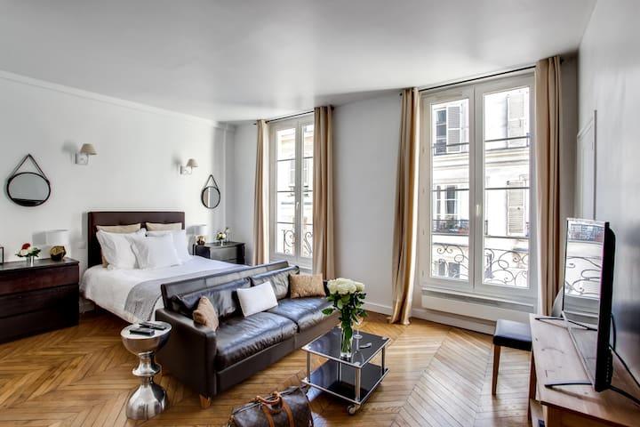 ****CENTRAL PARIS - Le Marais - 38 SQM ****