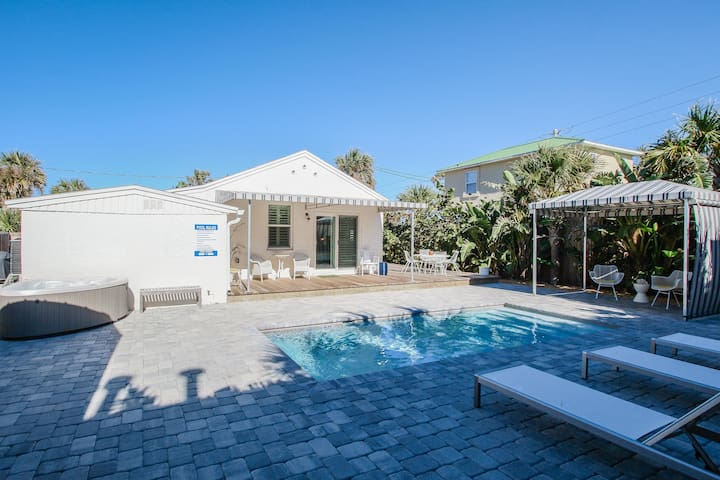 Bright 1940s beach cottage with a private pool and hot tub, 1 dog ok!