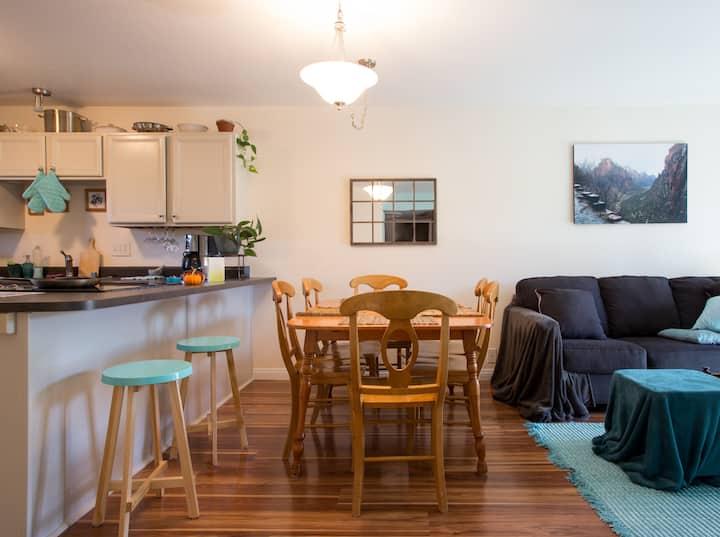 quiet room w/kitchen; 3 blocks to downtown