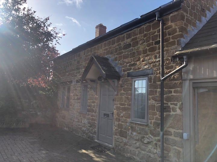 Thorpe Cottage, Wroxton