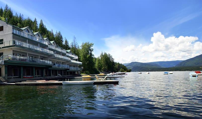 Shuswap Lake Vacation Condo - Eagle Bay BC