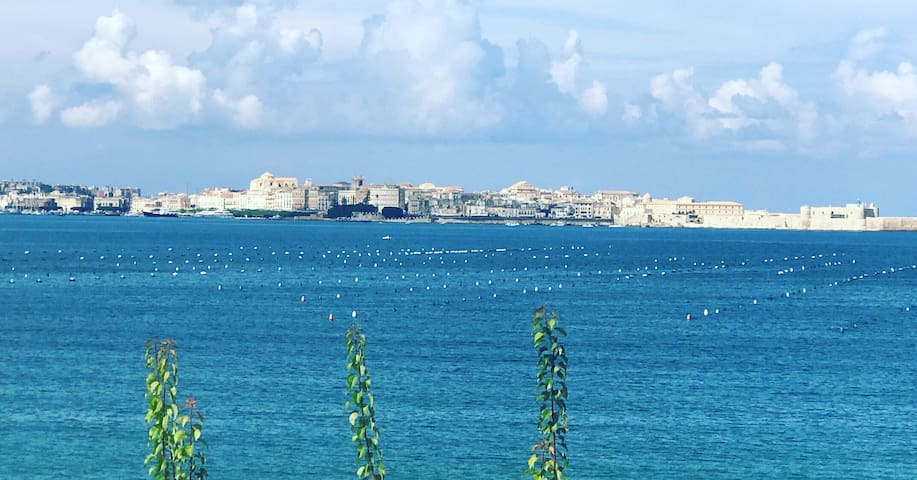 Villa Alma - spectacular view on bay of Siracusa