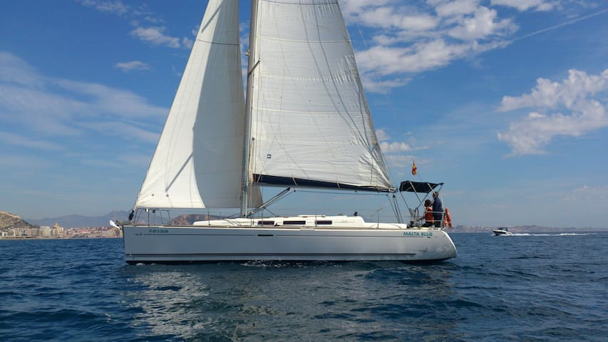 Nice 12 m sailing boat with 3 double cabins - Alicante - Boat