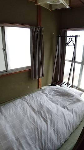 寝室2 2F和室3畳