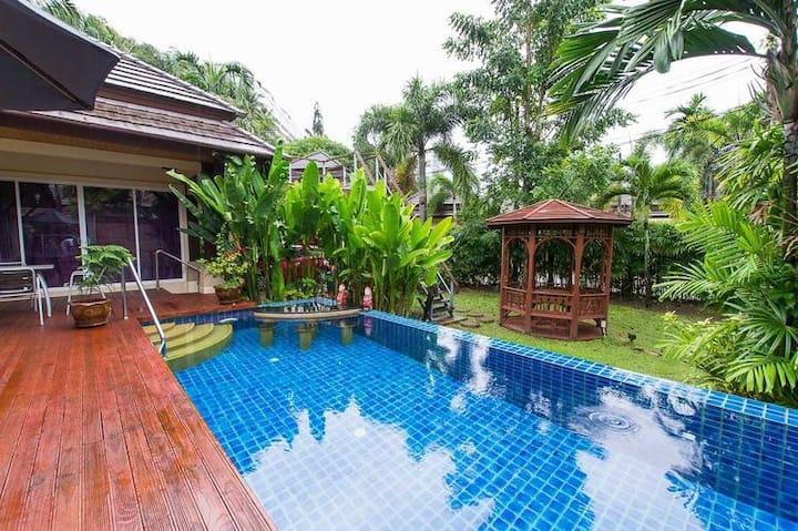 卡伦玖号花园-豪华三卧泳池别墅-步行到海滩5分钟-位置优越周边便利-配套设施齐全
