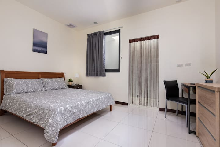 *Amazing Studio* , GREAT LOCATION near SOGO