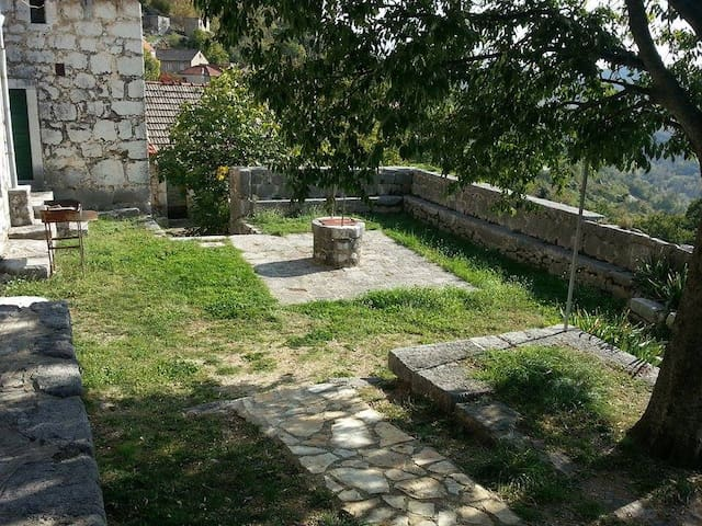 Old stone house for holiday and relaxation - Blato na Cetini - Ház
