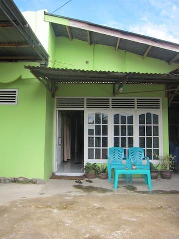 Padang Homestay 4 - Nanggalo