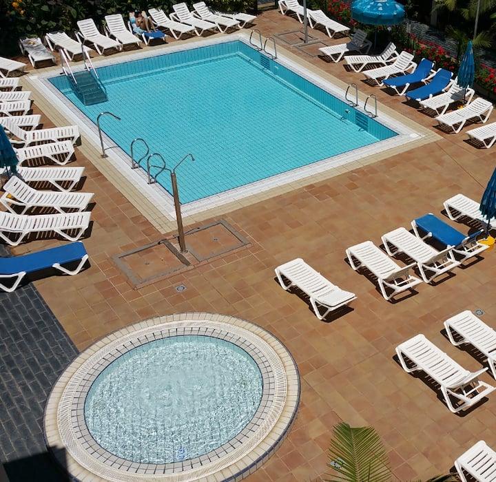Playa Sardina Galdar terraza solarium wifi D