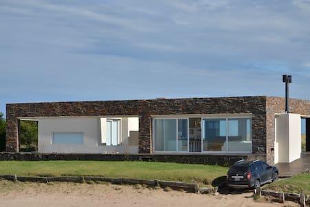 Casa de Piedra en Chacras del Mar, Mar Azul - Mar Azul - Haus