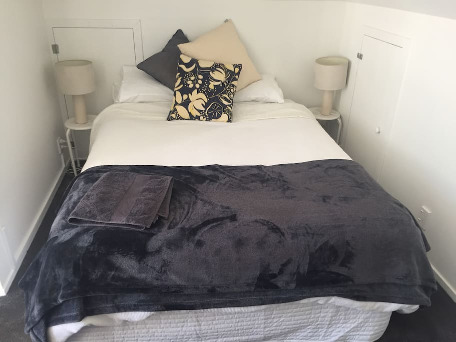 Comfortable queen bed, with fresh linen and towels (of course)