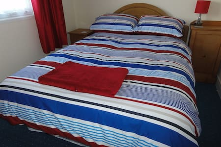Bright & Comfortable Self-Catering - Buck's Cross