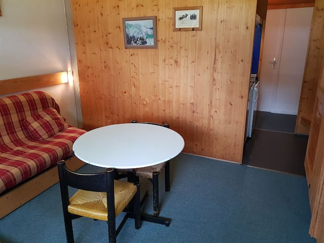 Studio for 2 persons in Arcs 1600 next to the slopes and close to shops