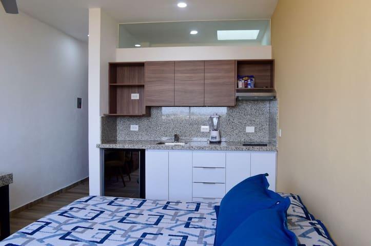 Loft 9 cerca ITESM Solares Residencial con cocina
