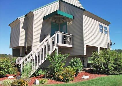 *Clarksville, MO, Hotel #1 /5772 - Clarksville