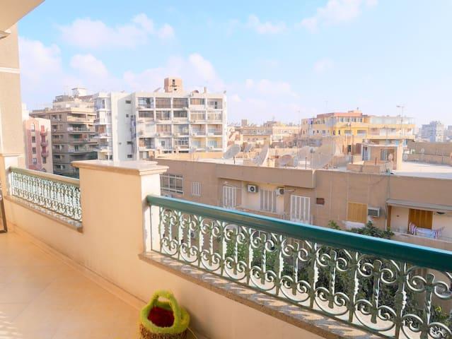 Penthouse Apt AC Private BR Kitchen - Al Matar - Apartment