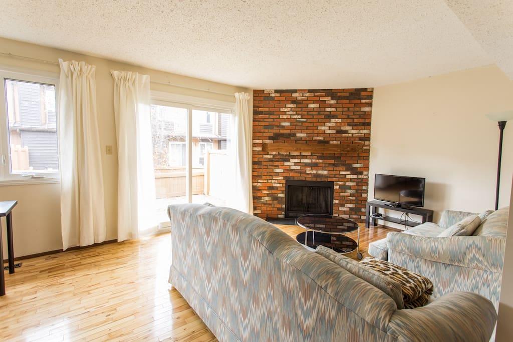 3 bedroom townhouse in SW Edmonton - Houses for Rent in ...