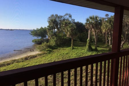 Large North Shore River House - North Fort Myers - Huis