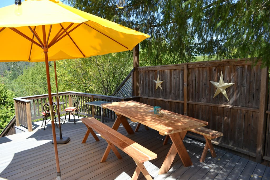 Picnic table for 8 under the stars (we love dining out on the patio!)