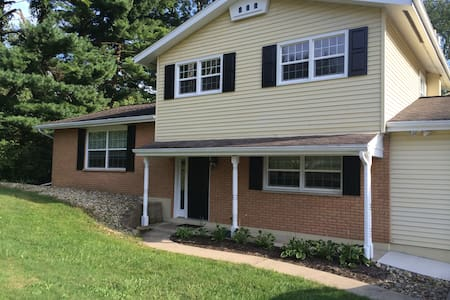 Renovated home close to Kenyon/MVNU - Mount Vernon - Hus