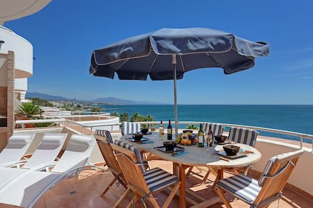 Sea Front two-story Penthouse - Malaga