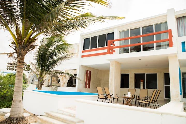 Casa frente al mar Trujillo Lucic