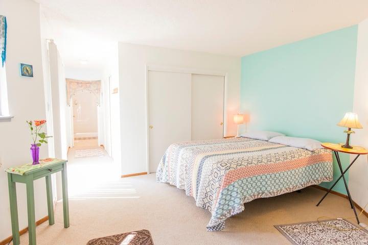 Private Room—Sunrise Bay View
