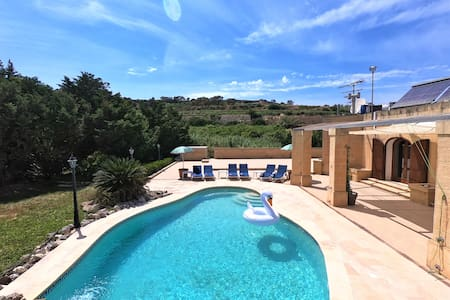 2 Huge Bedrooms and pool in totally secluded villa