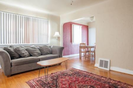 Charming Englewood Home - Englewood - Haus