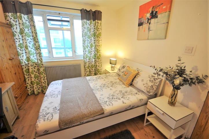 (ELS-5) PRIVATE ROOM FOR 2PPL NEAR TO SHOREDITCH