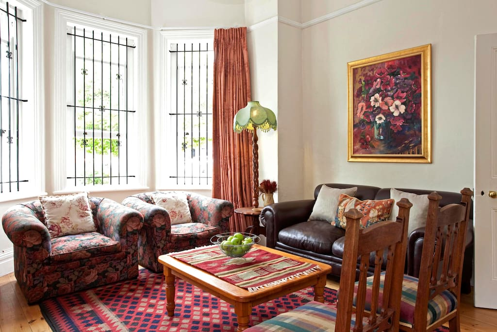 Sitting room with leather couch