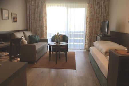 Appartementhaus Reiterhof (Bad Füssing), FW1 Neue 1-Zimmer Ferienwohnung OG.