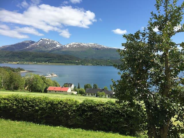 HJALLVIN GÅRD, Molde, Møre og Romsdal. - Molde - Rumah