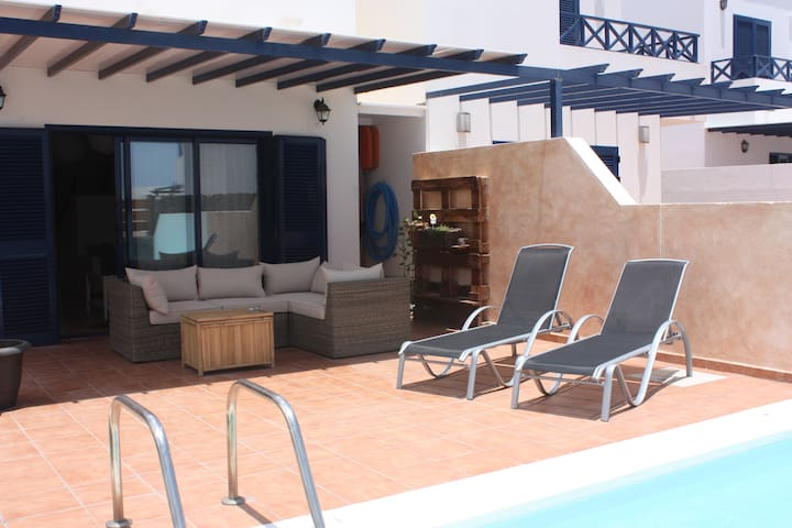 Beautiful villa with private pool - Playa Blanca, Lanzarote - Villa