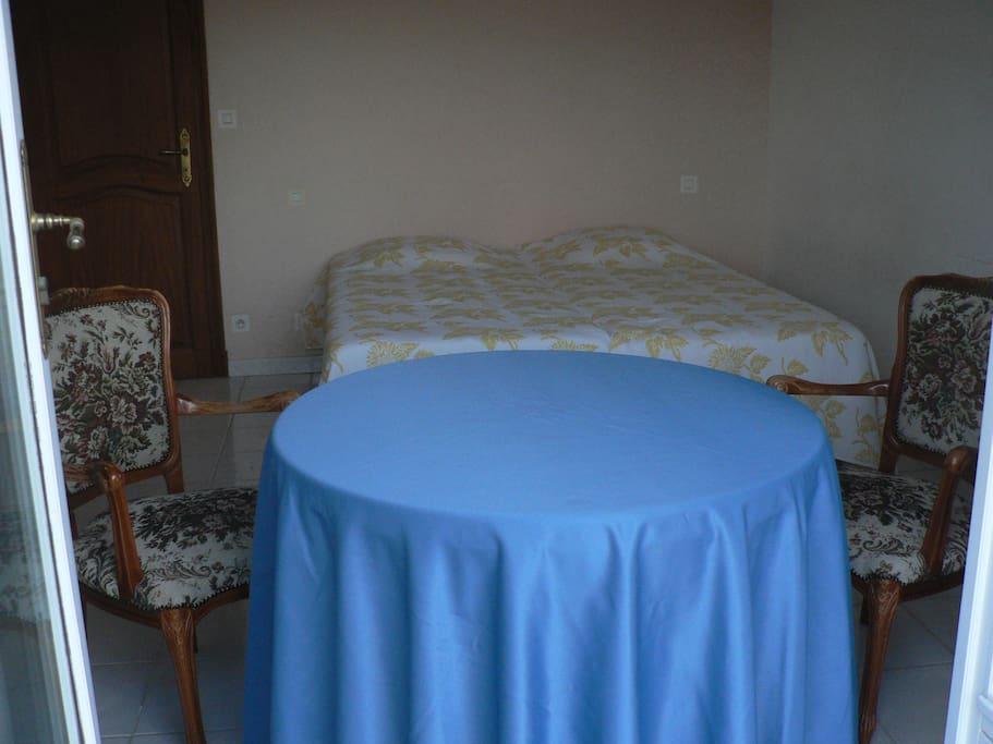 Chambre spacieuse avec lits doubles