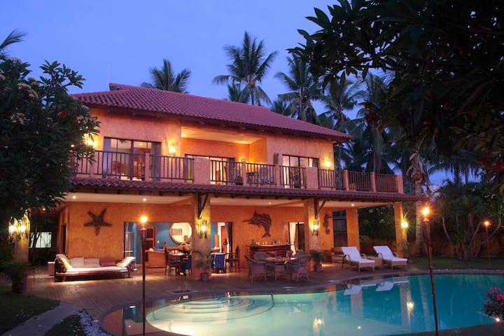 A Luxury Beach House in Cebu