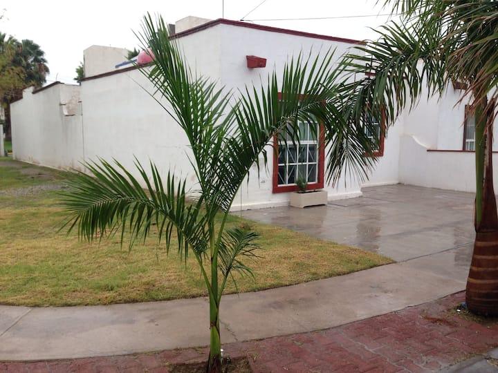 Casa amplia residencial Privado