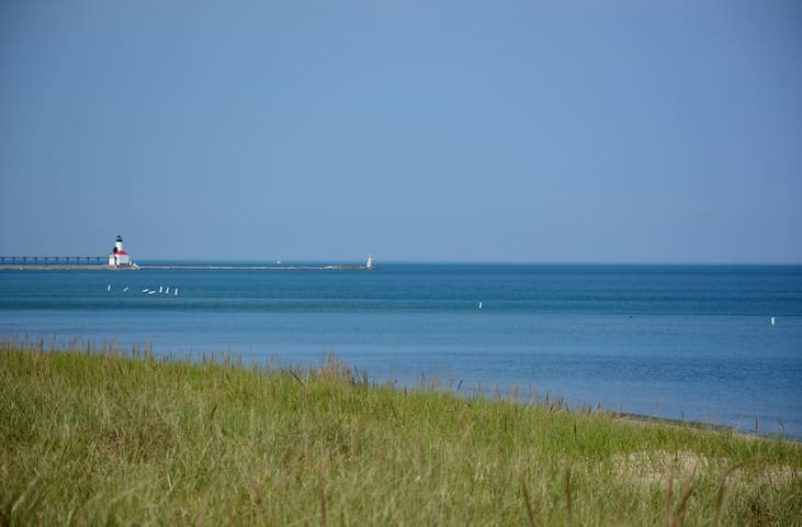Beachwalk Beach Getaway for Spring and Summer - Michigan City