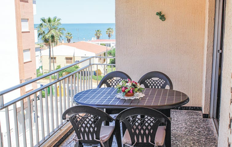 Holiday apartment with 2 bedrooms on 80m² in Daimús