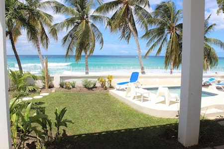 "Beachfront two bedroom apartment - ""Sunrise"""