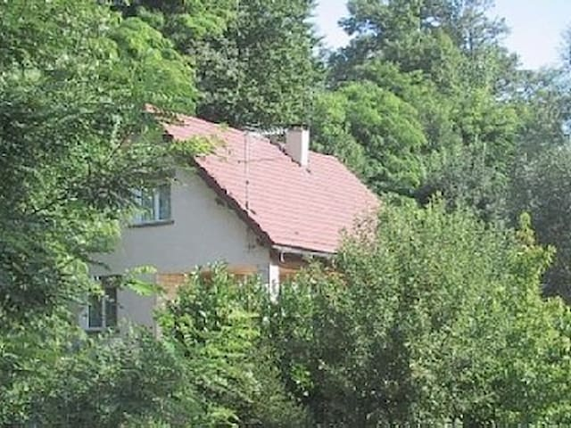 Maison  sur 2 niveaux  - Nance - Dom