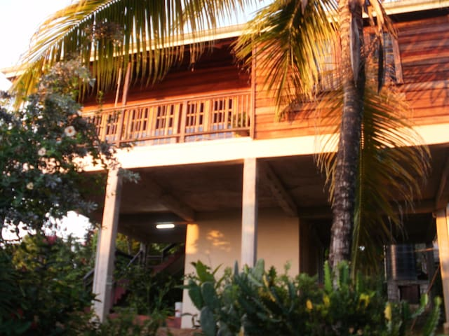 Bed and Breakfast at La Bellevue - Castries City - Wikt i opierunek