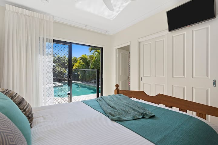 St Lucia Poolside Villa