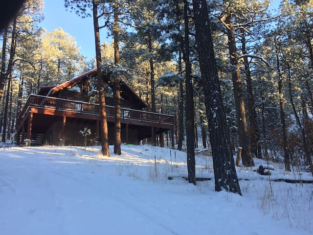 4BR Pendaries Pines Multi-level Log Cabin - Sapello - Cabin