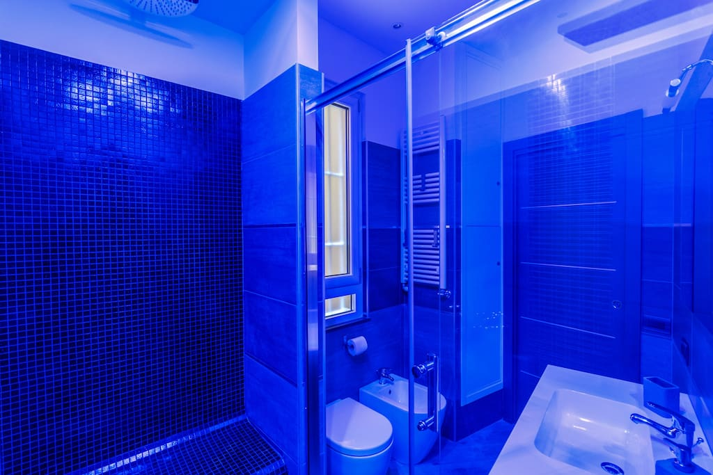 Bathroom with unlimited hot water