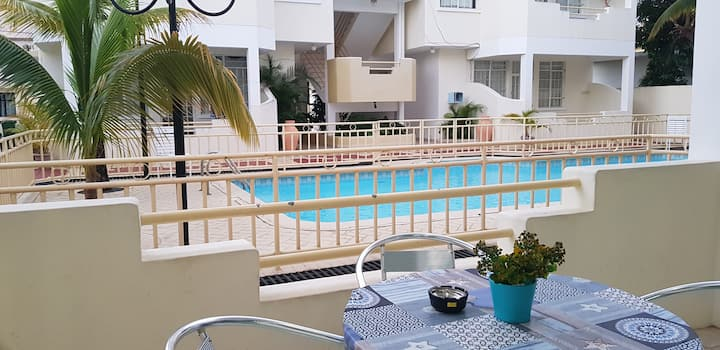 Two Bdrms Apt-Quiet and Safe Area-Beach 500mts