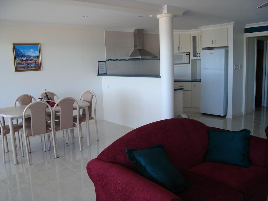 lounge/kitchen apartment 2